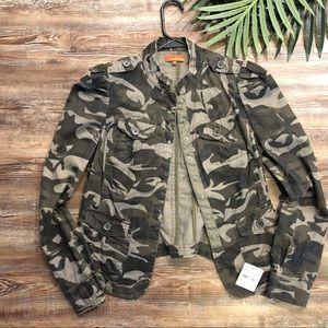 Ambition Camo women's Jacket
